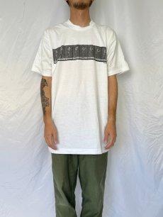 """画像2: 90's EADWEARD MUYBRIDGE USA製 """"MAN TIPPING HAT"""" アートプリントTシャツ XL (2)"""