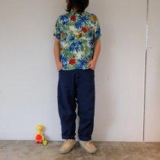 画像2: 60's South Pacific パイナップル×ハイビスカス柄 レーヨンアロハシャツ (2)