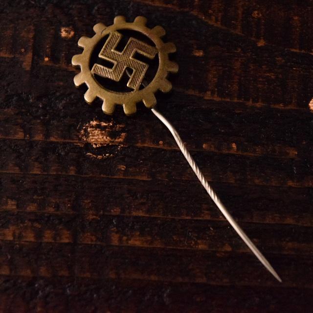 画像1: 【20%OFF】 30's〜40's ナチスドイツ 卍 ピンズ (1)