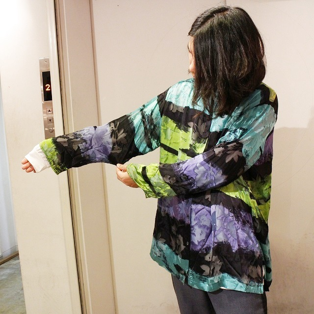 画像1: 花柄シースルーレーヨンシルクシャツ (1)