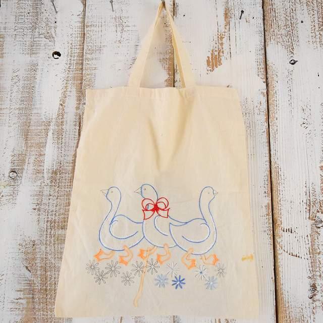 画像1: あひるハンド刺繍 トートバッグ (1)