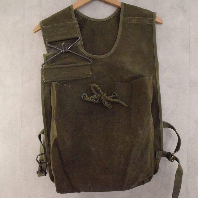 画像1: 40's WWII U.S.ARMY Ammunition Carrying Bag M2 (1)