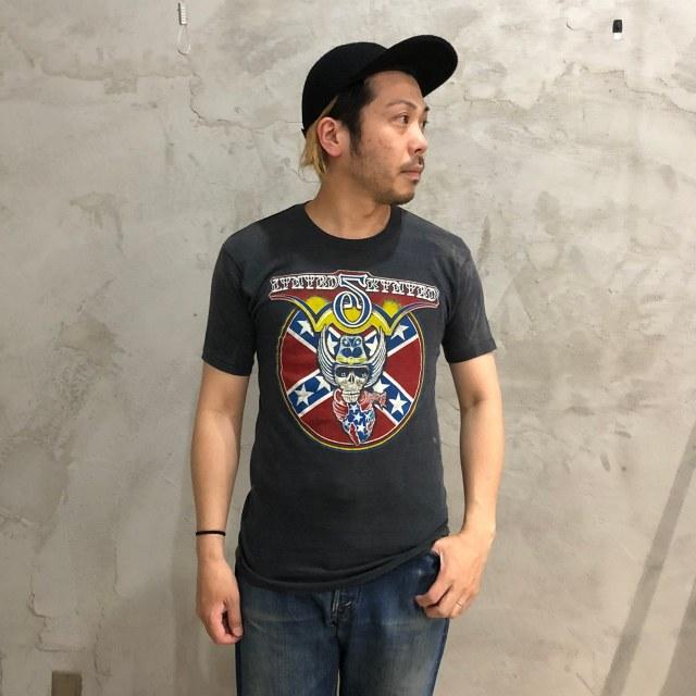 画像1: 80's LYNYRD SKYNYRD USA製 スカルプリント バンドTシャツ (1)